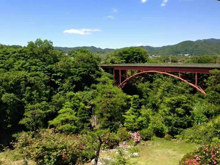 蘭丸亭 兼山橋の景色